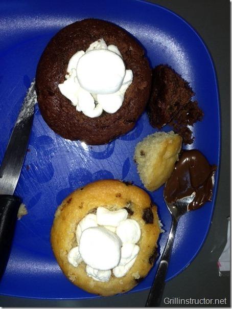 Muffins-mit-Cocos-Nougat-Füllung-unter-Marshmallow-Haube (5) (Andere)