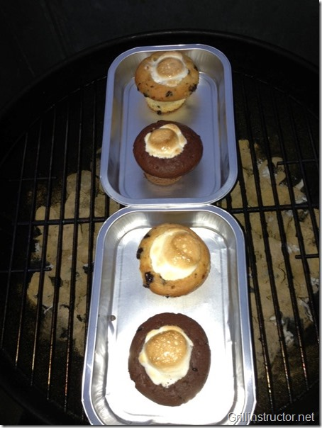 Muffins-mit-Cocos-Nougat-Füllung-unter-Marshmallow-Haube (6) (Andere)
