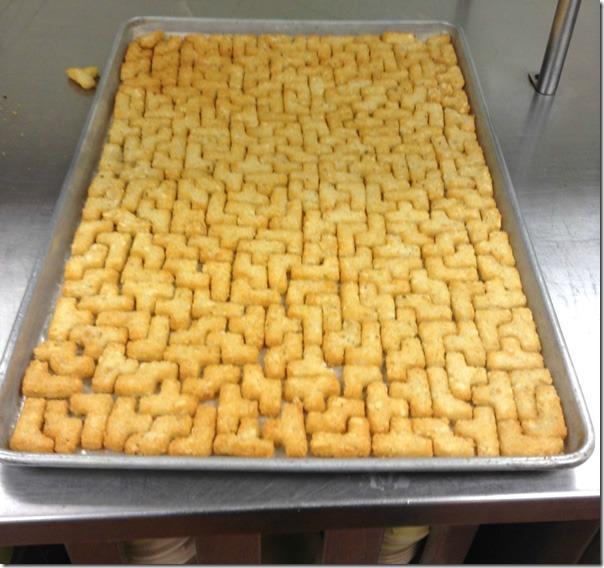 Backblech-mit-Tetris-Pommes