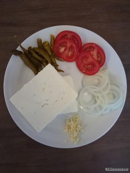 Griechischer-Feta-Schafskäse-vom-Grill (1)