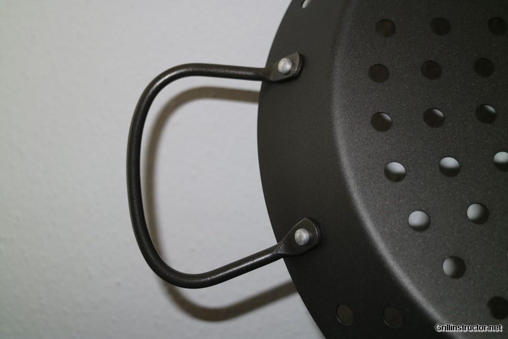 Kaufland Holzkohlegrill Test : Gelochte grillpfanne grill wok von jamie oliver im test